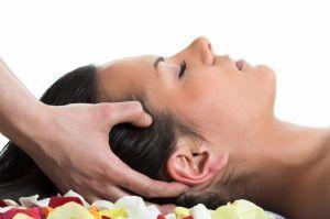 Détendez vous en succombant au massage crânien